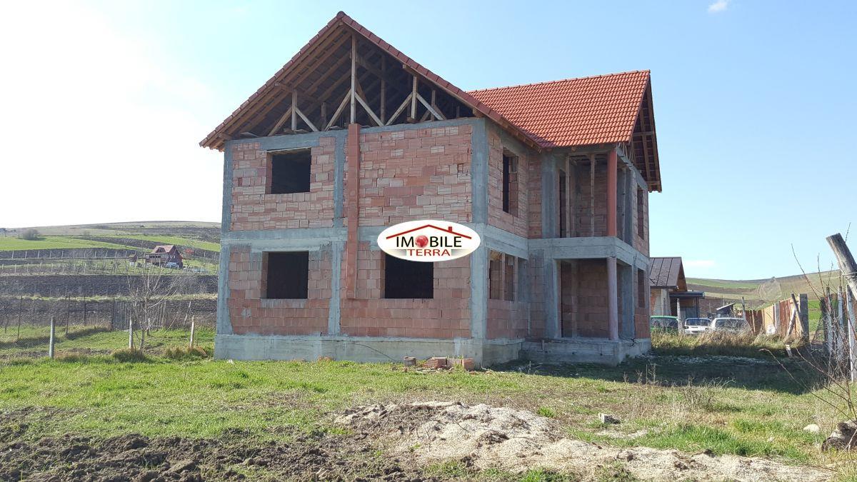 Casa de vanzare la rosu in sura mare imobile private 4848 - Terenes casa rural ...