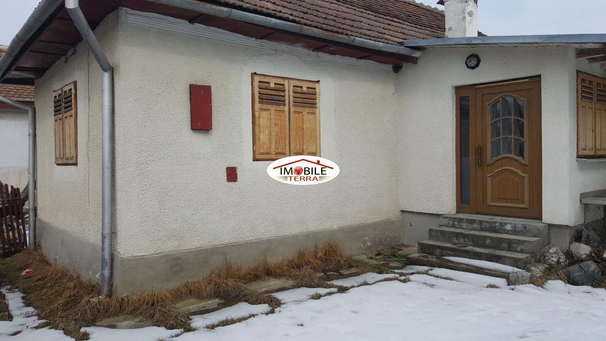 Casa de vanzare in zona de munte - Terenes casa rural ...