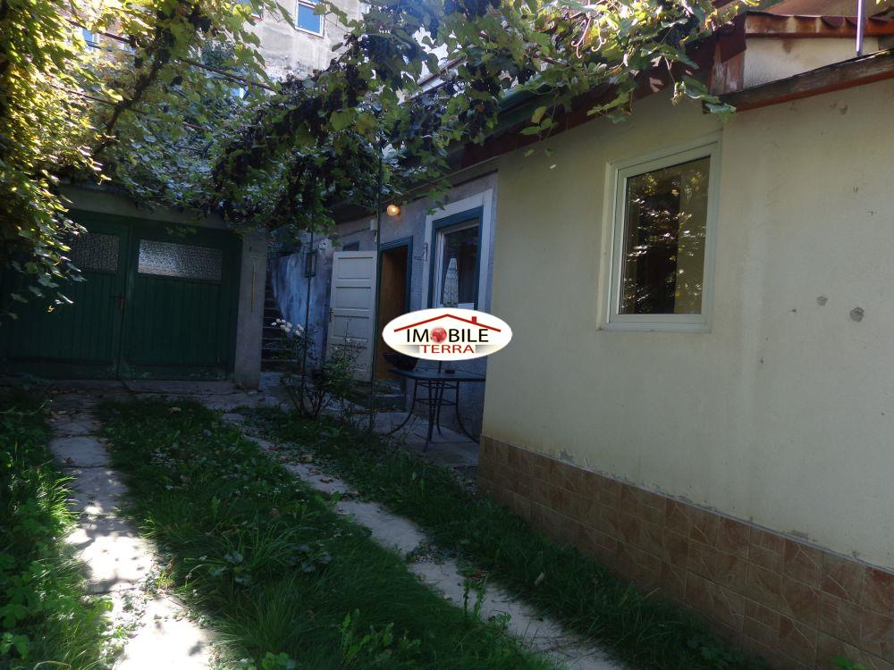 Casa de vanzare singur in curte central  Sibiu