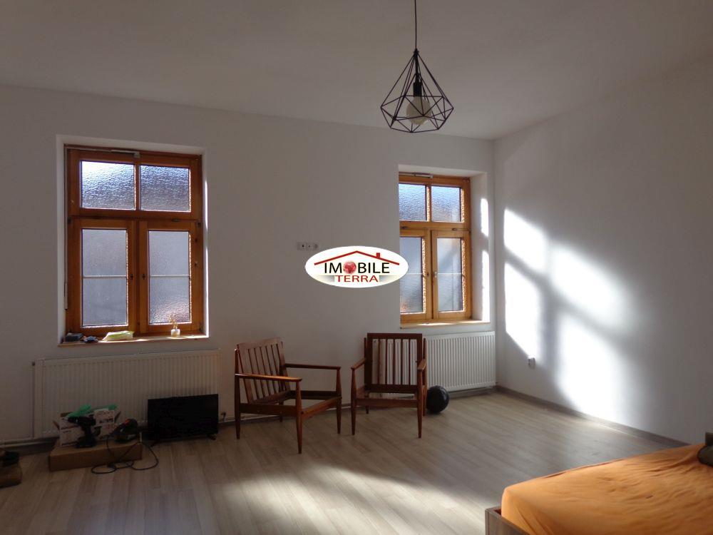 Apartament la casa si garsoniera de vanzare Piata Cluj Sibiu