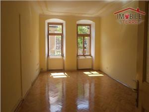 Apartament 2 camere de inchiriat, zona Piata Mare