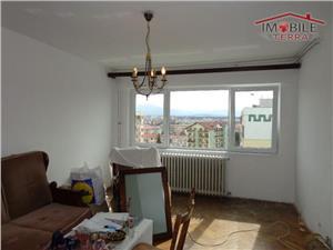 Apartament 3 camere de vanzare in zona Cedonia