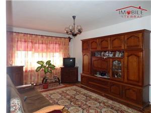 Apartament 3 camere de vanzare in zona Garii