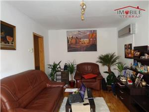 Apartament 3 camere decomandat de vanzare in Vale Aurie