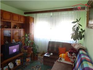 Apartament 3 camere semidecomandat zona Rahovei, Sibiu