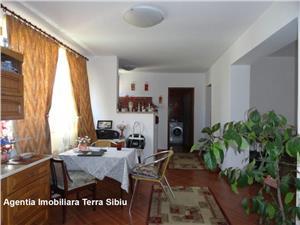 Apartament in bloc nou 3 camere Sibiu zona Lazaret , 120 mp