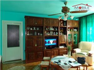 Apartament 4 camere de vanzare in zona Mihai Viteazu