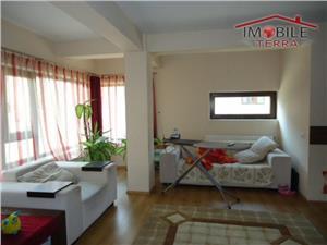Apartament cu 3 camere decomandate Strand
