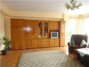 Apartament cu 4 camere de vanzare in Strand