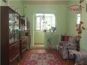 Apartament de vanzare cu 3 camere Calea Dumbravii Sibiu