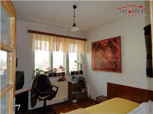 Apartament 4 camere la casa tip vila de vanzare in zona centrala - Sibiu