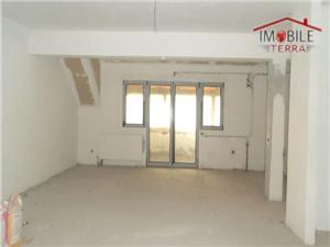 Apartament spatios de vanzare in cartierul Tilisca