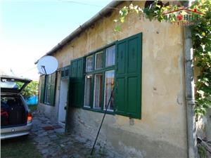Casa 2 camere de vanzare in zona Piata Cibin