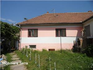 Casa de vanzare in zona Lazaret Sibiu cu 3 camere si 450 mp teren