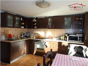 Casa cu 3 camere de vanzare in Lazaret