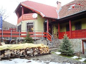 Casa de vacanta pretabila pensiune la Fantanele langa Sibiu