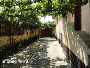 Casa cu 5 camere si 360 mp teren de vanzare Sibiu zona Lazaret