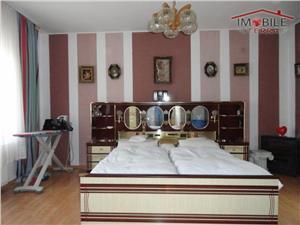 Casa noua de vanzare in Sibiu zona Lazaret , 7 camere si teren 700 mp.