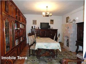 Casa cu 4 camere si 330 mp teren, de vanzare in Sibiu zona Lazaret