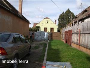 Casa cu 8 camere si 380 mp teren, de vanzare in zona Terezian Sibiu
