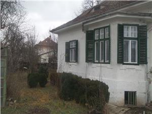 Casa cu 3 camere de inchiriat central Sibiu
