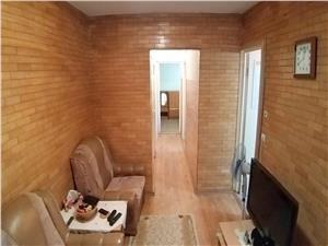 Apartament spatios cu 3 camere mobilat in Vasile Aaron