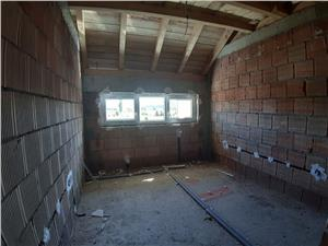 Apartament 3 camere in Selimbar