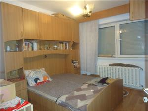 Apartament 3 camere de vanzare in Vasile Aaron