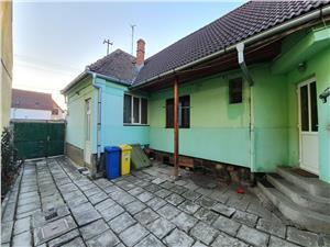 Casa singur in curte cu 3 camere in zona Lupeni