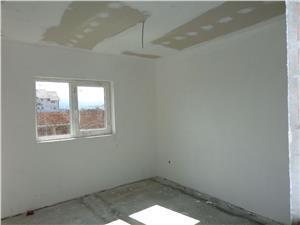 Apartament 3 camere de vanzare pe Calea Cisnadiei