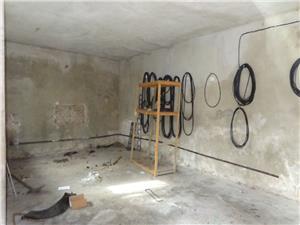Inchiriez garaj cu spatii de birouri in Turnisor