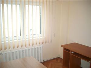Inchiriez apartament 3 cam Strand