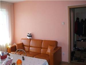 Vand  apartament 2 camere in zona Mihai Viteazu