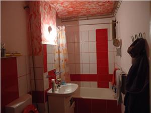Vand apartament 3 camere Mihai Viteazu