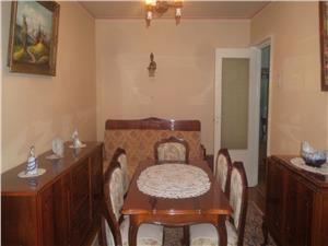 Apartament spatios cu 3 camere in Vasile Aaron