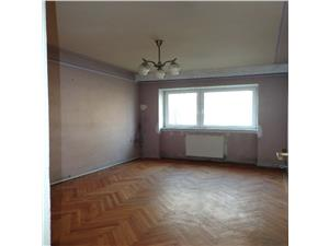 Apartament 3 camere de vanzare in Hipodrom 4, Sibiu