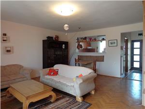 Casa 4 camere si garaj de inchiriat cartier Trei Stejari