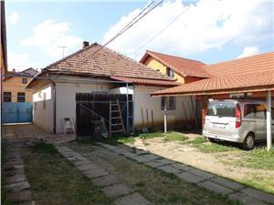 Doua case si 770 mp teren de vanzare in Lazaret
