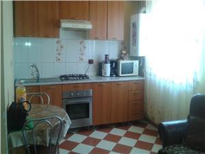 De vanzare apartament 4 camere la mansarda Lazaret