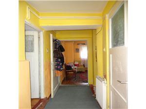 Apartament la casa de vanzare in zona Strand
