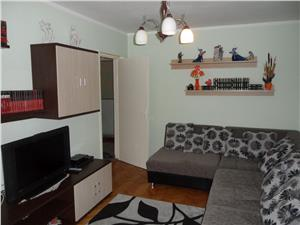 Apartament 3 camere decomandat in zona Vasile Aaron