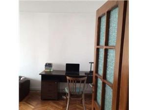 Apartament cu 3 camere zona Turnisor