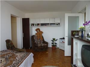 Apartament 2 camere semidecomandat zona central
