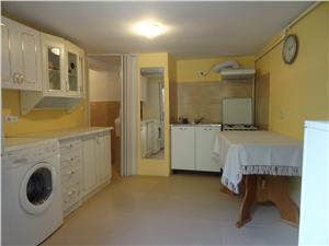 Apartament la casa de inchiriat in Orasul de Jos