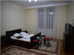 3 camere, regim hotelier de vanzare, Piata Mare