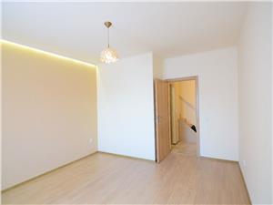 Apartament la casa de vanzare in zona Lupeni