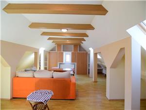 Casa 9 camere singur in curte Piata Cluj