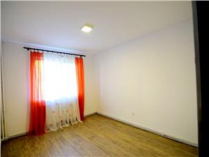 Apartament 2 camre decomandat, zona Strand