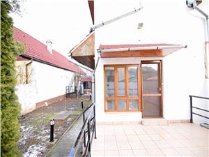Apartament la casa, zona Cl. Dumbravii
