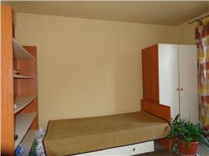 Apartament 3 camere si curte de vanzare zona Cedonia Sibiu
